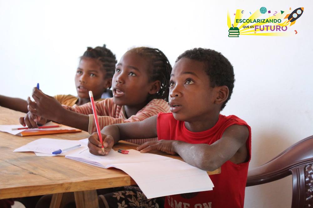 2,5 milions de persones no saben llegir ni escriure a Madagascar