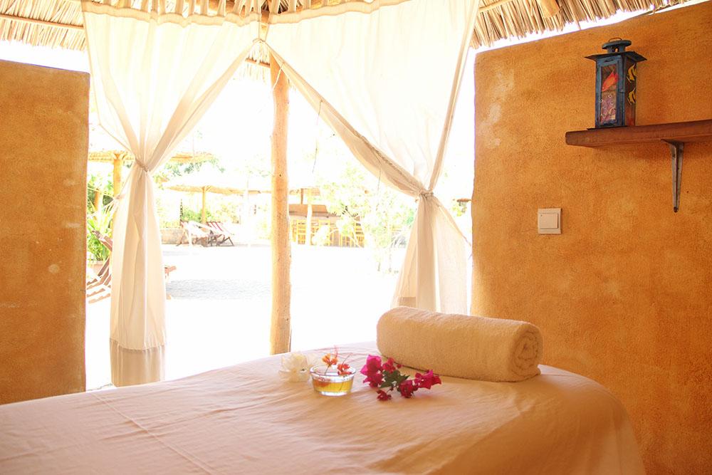 L'Hotel Solidari Mangily ofereix un espai de massatge per fer de la vostra visita un record inoblidable