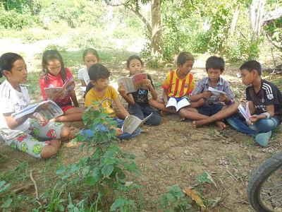 Classes d'anglès prop del punt de recollida de plàstic