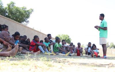 L'Escola d'Esports participa en la campanya d'escolarització.